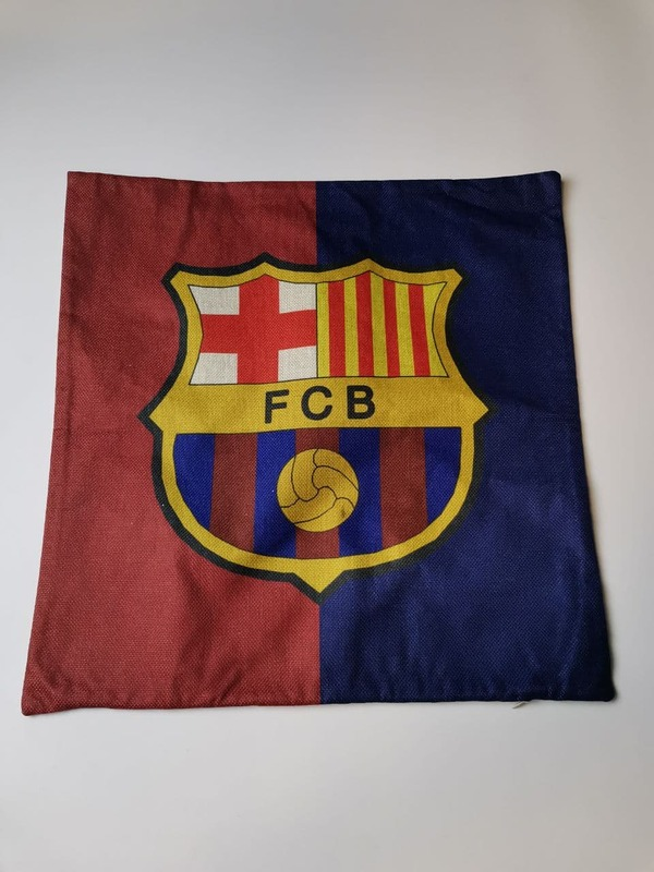 Наволочка на подушку с эмблемой Барселона