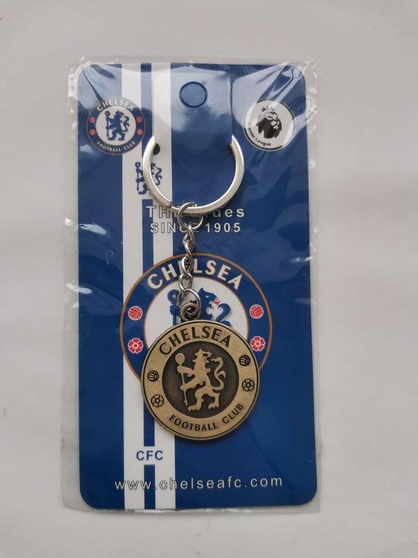 Металлический брелок с эмблемой ФК Челси