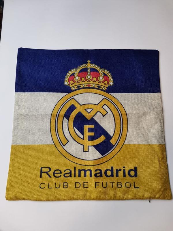 Наволочка на подушку с эмблемой Реал Мадрид