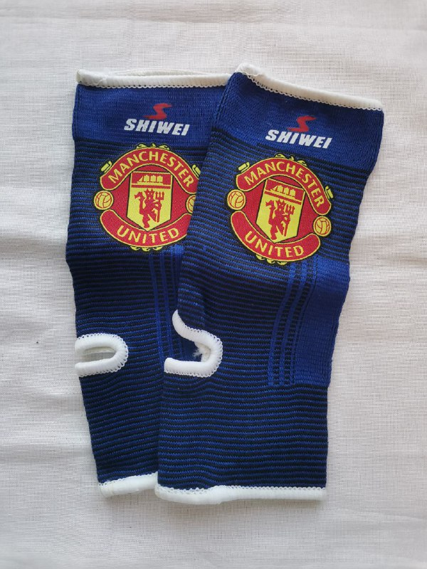 Манчестер Юнайтед футбольные бандажи на голеностоп